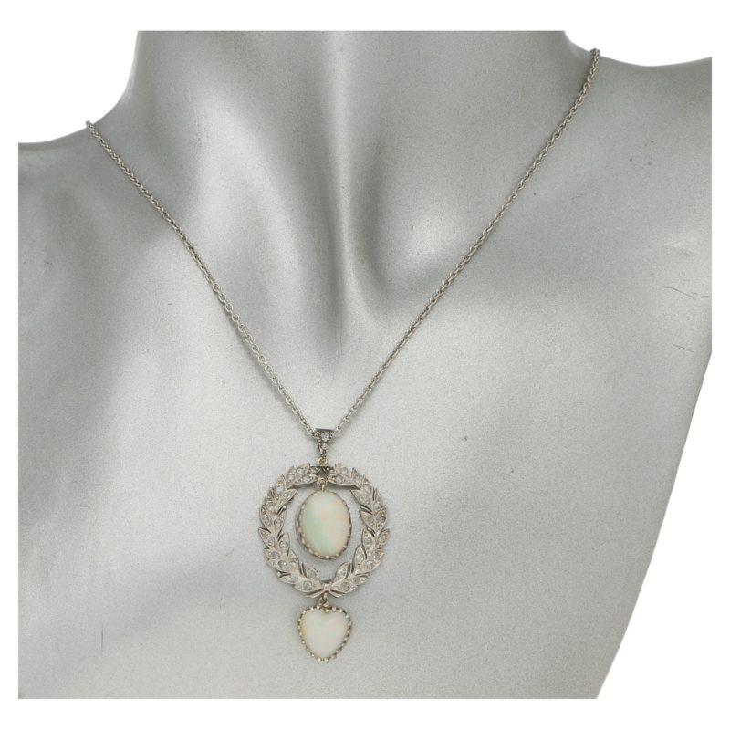 Belle Epoque opal and diamond wreath pendant in platinum/gold