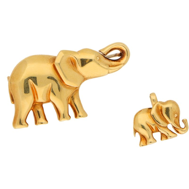 Elephant and Calf Brooch in Yellow Gold, circa 1990