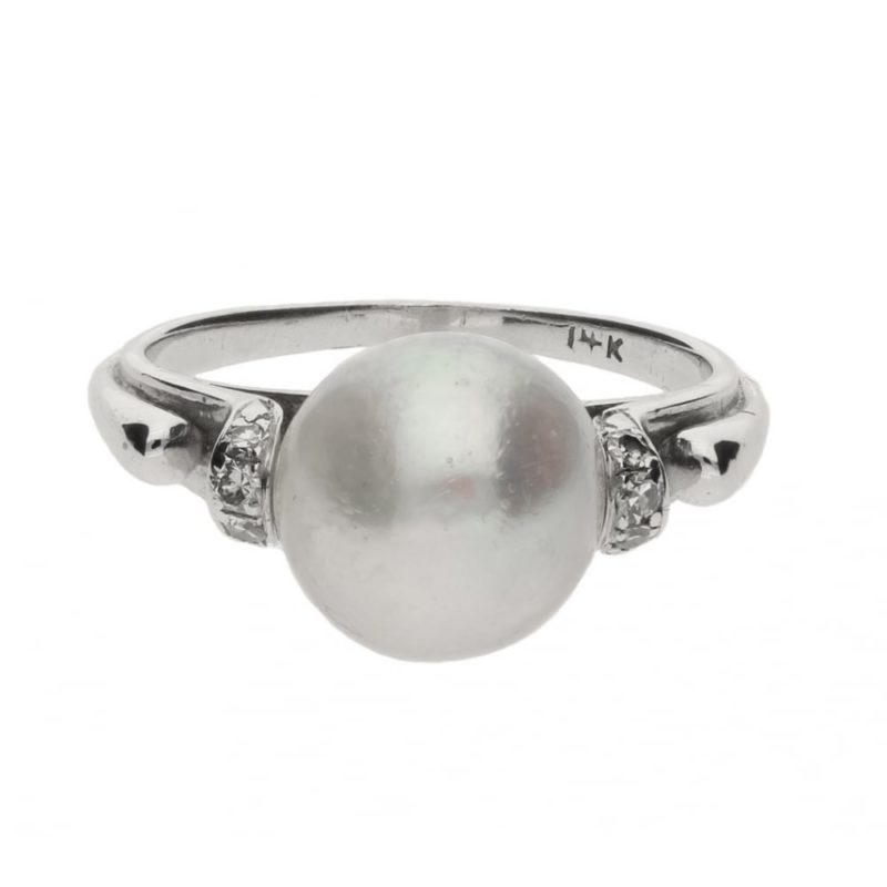 14ct white gold pearl and diamond set dress ring