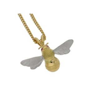 18ct gold bee pendant on chain