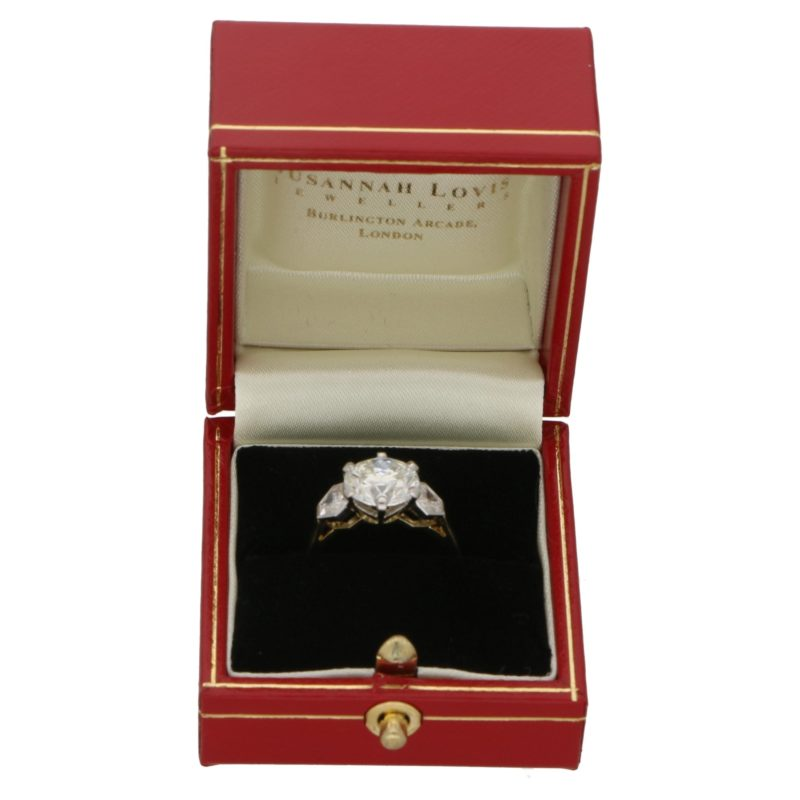 3.84ct Diamond Three-Stone Ring in Yellow Gold and Platinum