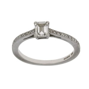 Boodles Diamond Engagement Ring in Platinum
