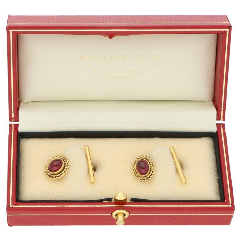 Cabochon vintage garnet cufflinks in gold
