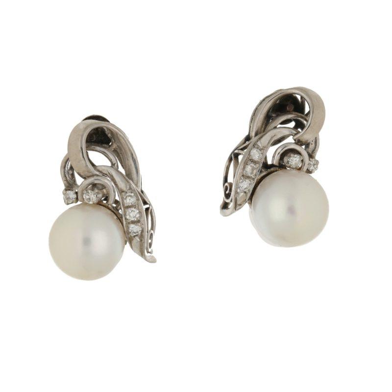 18k Pearl and diamond earrings
