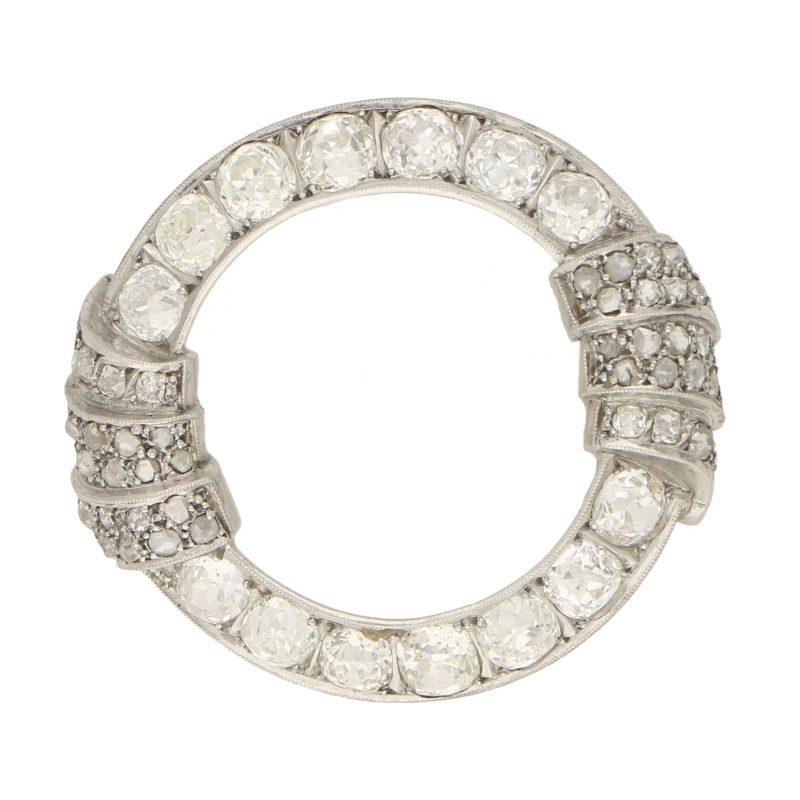 Art Deco Openwork Diamond Brooch in Platinum, 1930s