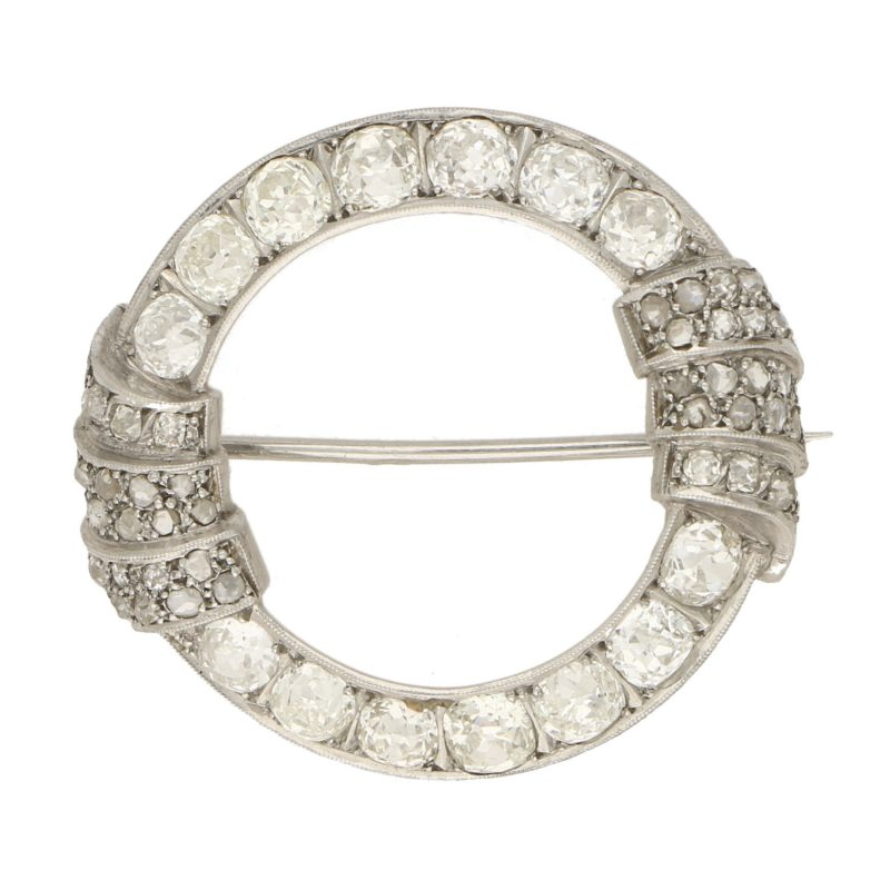 Art Deco Openwork Diamond Brooch in Platinum, 1930s