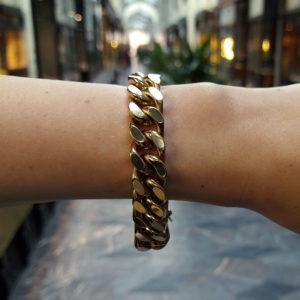 Cuban Link Chain Bracelet in Yellow Gold