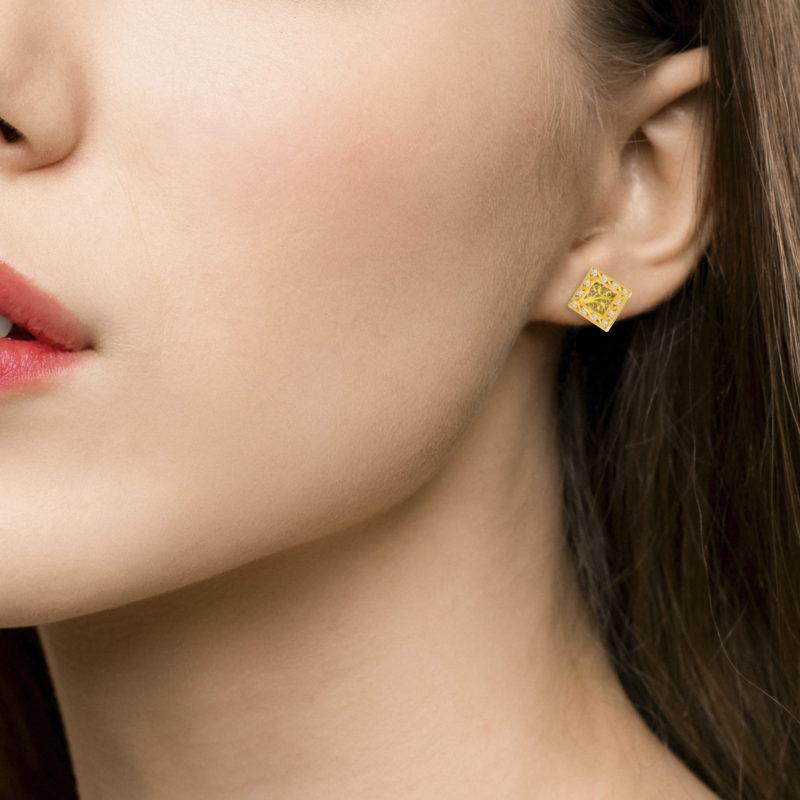 Diamond Squared Stud Earrings in Yellow Gold Filigree