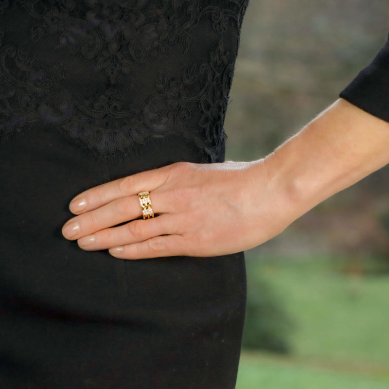 18ct yellow gold and diamond flexible dress ring