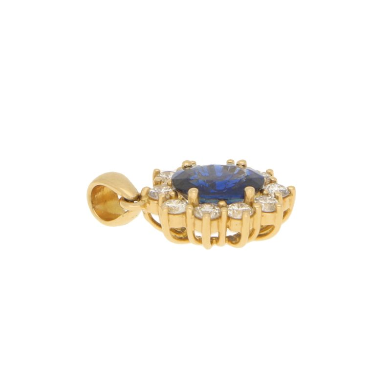 Damas Sapphire and Diamond Cluster Pendant in Yellow Gold