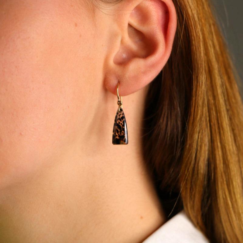 9ct gold agate drop earrings