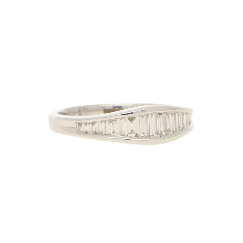 Tapering baguette diamond engagement ring set in 18k white gold