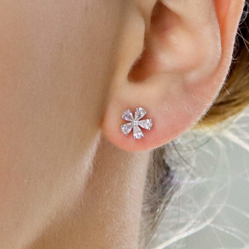 Diamond flower cluster earrings set in 18K white gold