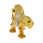 Tiffany & Co. Emerald and Diamond Tiger brooch in Yellow Gold
