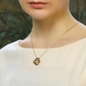 CHANEL Fil De Camélia Flower Pendant Necklace