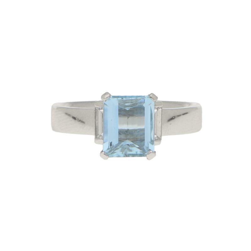 Aquamarine and Diamond Ring in White Gold