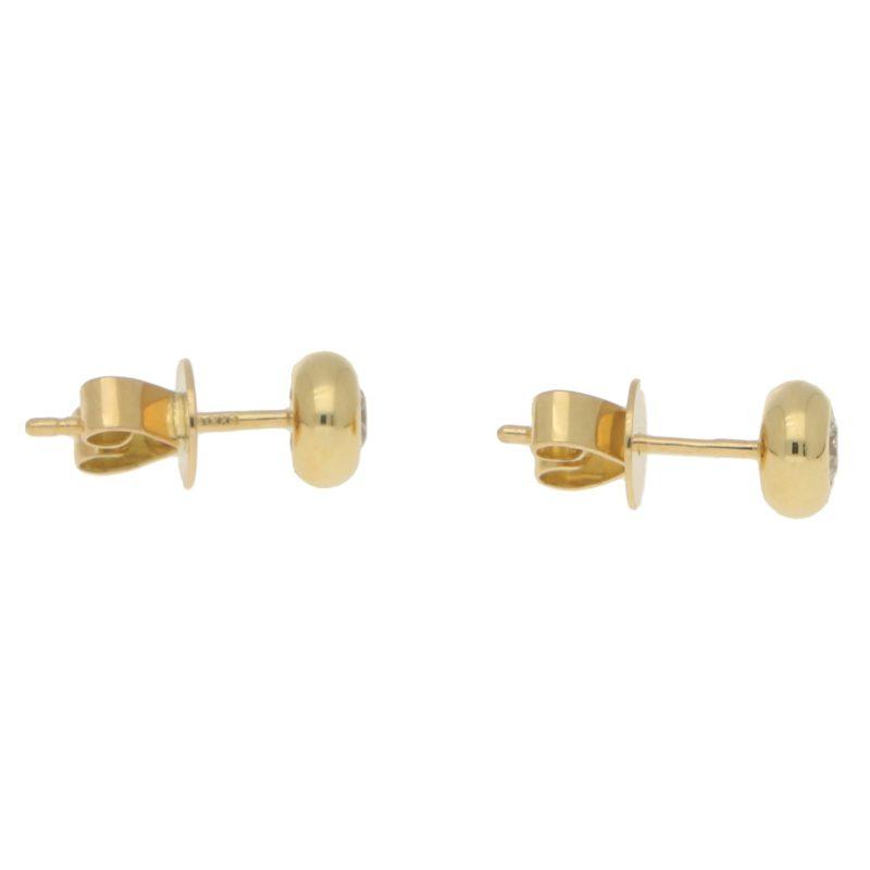 Diamond stud earrings in 18k yellow gold