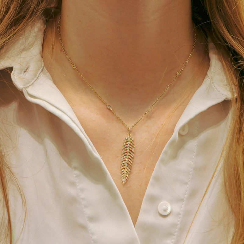 Articulated Diamond Feather Necklace in Yellow Gold