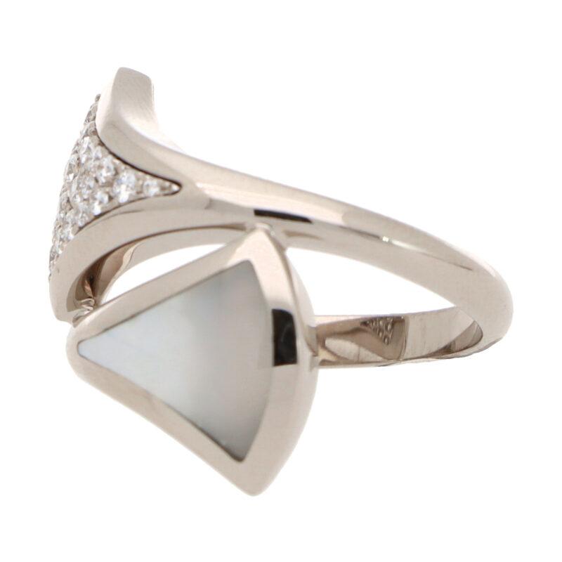 Vintage Bvlgari Mother-of-Pearl and Diamond 'Divas Dream' Ring