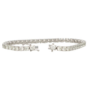 Contemporary 10.69ct Diamond Line Bracelet